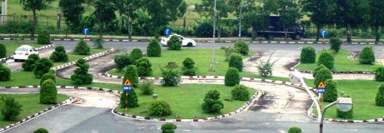 Sân bãi tập lái xe