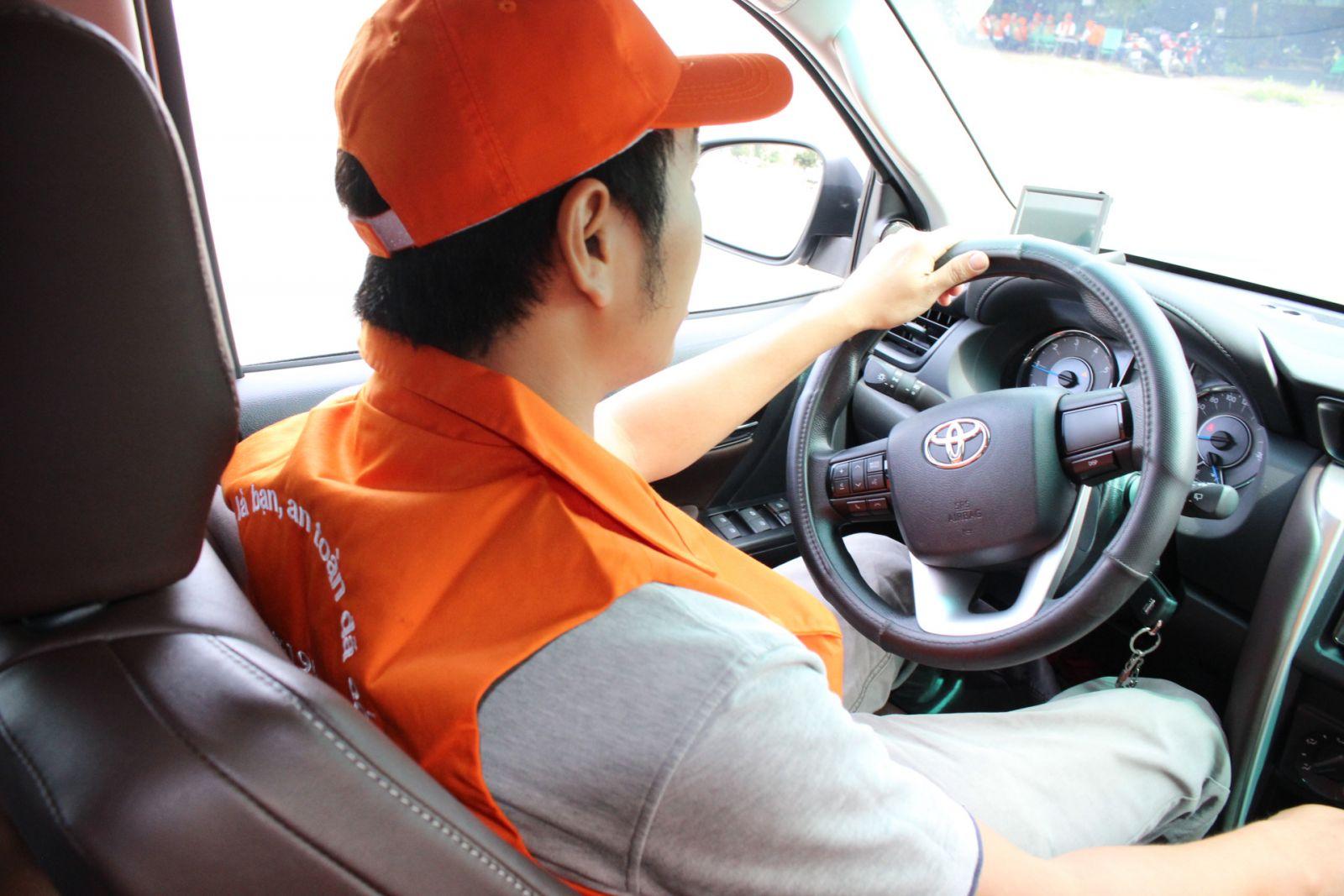 Công việc chính của nghề lái xe