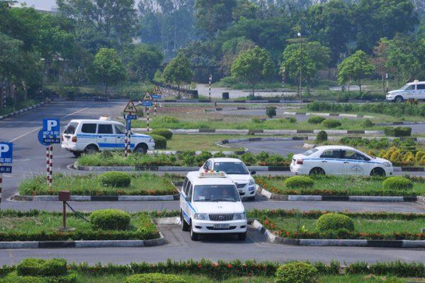 Giám sát các trung tâm đào tạo bằng lái