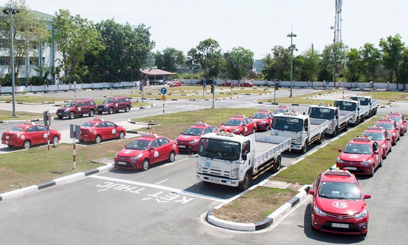 Điều kiện học thi bằng lái xe ô tô B2 là gì?