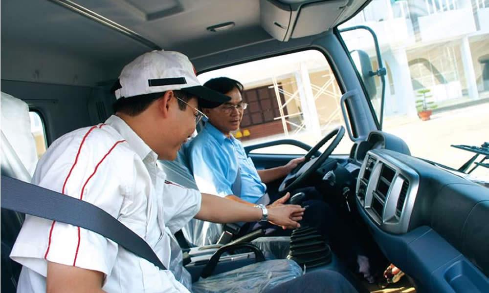 Giảng viên sẽ đưa đón học viên đi học lái