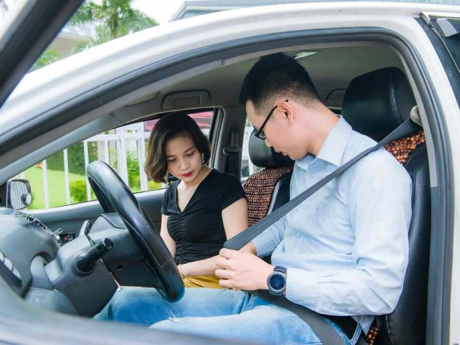 Phí học lái xe ô tô chuẩn quy định gồm những gì?