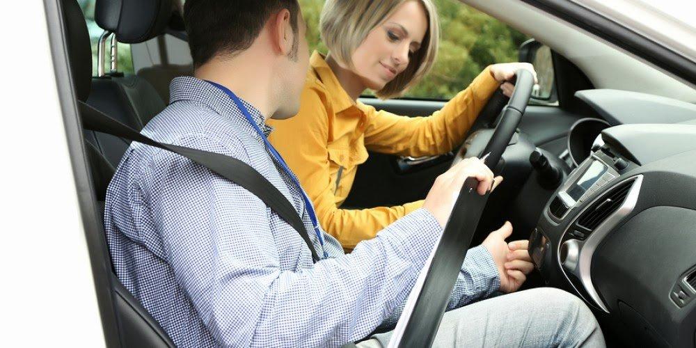 Cài sẵn dây an toàn khi vào xe