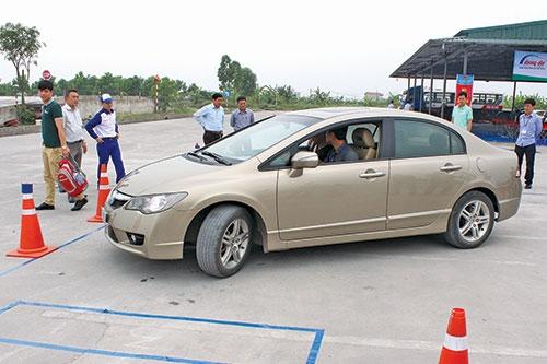 Trung tâm đào tạo lái xe với trang thiết bị hiện đại