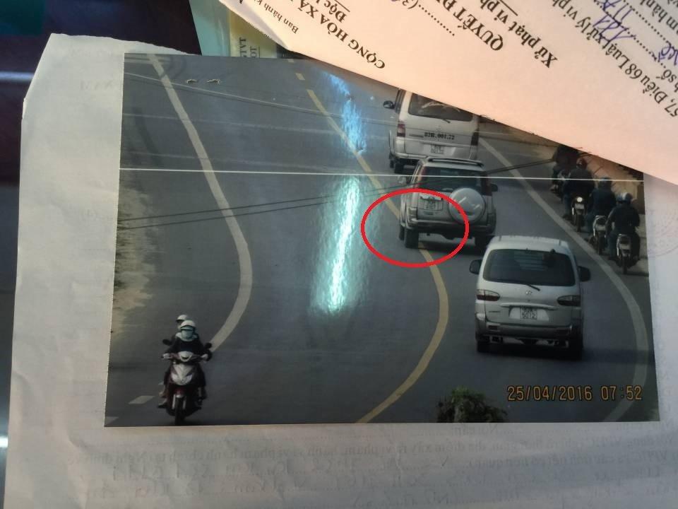 Lỗi ô tô đè vạch liên xe