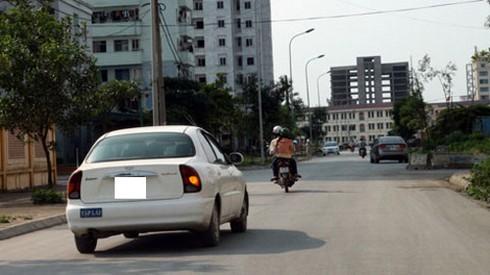 Lỗi ô tô không bật đèn xi nhan khi chuyển làn