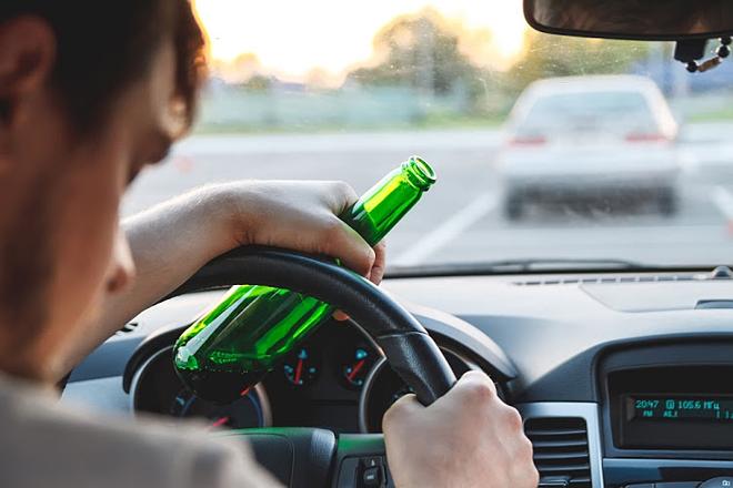 Đã uống bia là không lái xe