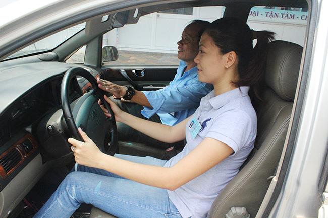 Những bất lợi khi phụ nữ học lái xe ô tô sẽ nhiều hơn đàn ông