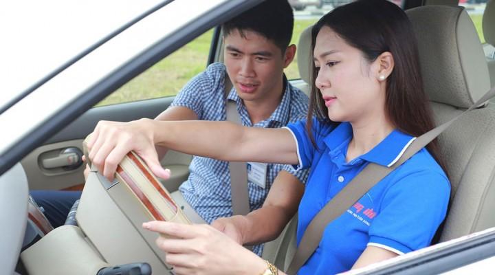 Phí thi lại bằng lái xe B2