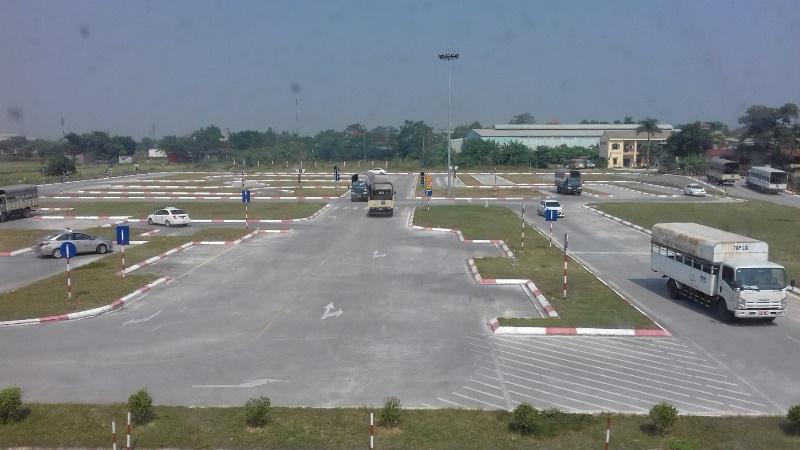 Hệ thống sân bãi của trung tâm